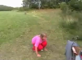 Dřepy Žanda umí